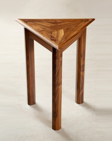 Prily end table