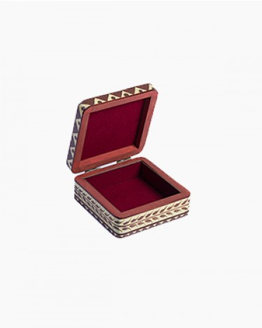 Vintage decorated jewelry box - small